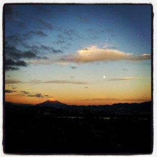 満月とふじさん.jpg